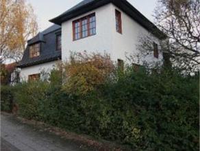 UCCLE// CHURCHILL : Superbe maison ayant appartenu à une famille de la Haute Bourgeoisie Bruxelloise. Surfaces de Réceptions bien propor
