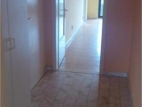 OTAN// Situé près de l'OTAN au 4e étage à 1140 Evere (commerces, école, transport en commun) Appartement traversant