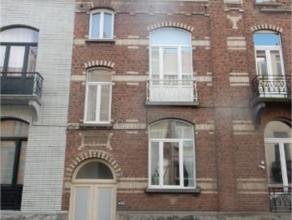 BASCULE // VANDERKINDERE // Agréable et spacieuse maison très bien située proche de toutes les facilités. Elle se compose