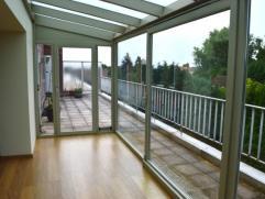 MUTSAARD//DE WAND - Sur Strombeek - Superbe penthouse de 125m² se composant de: hall d'entrée (10m²), living (40m²), cuisine sup