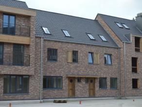 Nieuwbouw te Hoogstraten in nieuw aangelegd woonerf Ganzendries. Ruime woning met 3 niveau's en ondergrondse parkeerplaats met een achterliggende berg