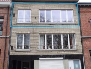 Ruim appartement van 108m² op de 2e verdieping in een klein gebouw gelegen in het centrum doch rustig met open zicht op de groene Vesten van Lier