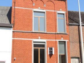 BRAINE-LE-COMTE, Chaussée de Mons, 25, spacieuse maison de Maître Composée: SS: 3 caves avec chaudière. RDC: hall d'entr&ea