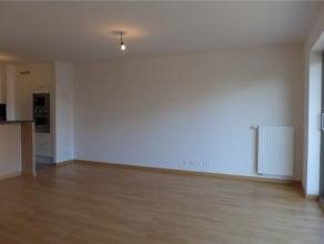 Prox Basilique. Luxueux appartement NEUF (± 90 m²) avec 2 terrasses. Hall d'entrée, living avec parquet, cuisine américaine