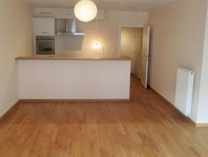 Prox Basilique. Bel appartement NEUF (± 80 m²) + petite terrasse. Hall d'entrée, un living, un chambre de 15m², cuisine &eacut