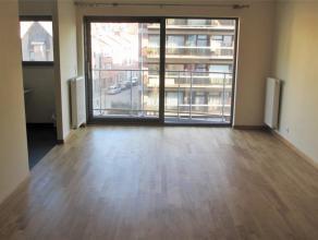 Prox Basilique. Luxueux appartement NEUF (± 90 m²) avec 2 terrasses. Hall d'entrée, living avec parquet, cuisine super équip
