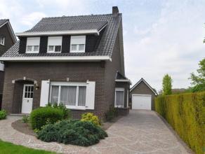 Landelijk gelegen ruime woning met 3 slaapkamers op een perceel van 1.316 m². Mooie diepe tuin (zuid-west georiënteerd). KLEIN BESCHRIJF MOG