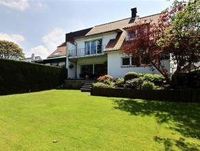 Dans un quartier résidentiel calme proche du CCM, lumineuse et spacieuse maison de 250 m2 hab. dans un très bon état proposant 5