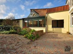 INTRIGANTE & LUMINEUSE maison 250m2-4 CH.7a60 ca.Magnifique jardin sud-terr-2 garages+remise-abri de jardin- parkg.REZ:CUIS/VERANDA très lu