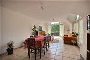 SITUATION :Bel appartement 2 chambres situé dans une belle résidence de standing près du centre de Tubize, dans un quartier r&eac