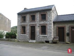 Sur les hauteurs dEngis, jolie maison en pierre composée dune chambre. Toiture récente. cole et arrêt de bus à proximit&eac