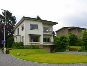 De woning ligt op een perceel van 6a21ca en heeft een bewoonbare oppervlakte van 168 m2 en dient te worden gerenoveerd (dit kan aan een BTW-tarief van