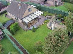 Magnifique villa 4 façades située dans un quartier résidentiel très calme (versailles), Séjour avec K7, veranda jar