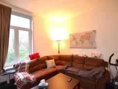 Woonhuis met 3 slaapkamers en leuke binnentuin. Samenstelling: inkom, moderne keuken, ruime living uitgevend op binnentuintje. Badkamer met ligbad. 1