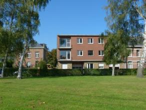 Leuk appartement van 70m² met 2 slaapkamers en 2 terrasjes voor -en achteraan op de 2de verdieping. Zeer rustig gelegen aan een rustig park en st