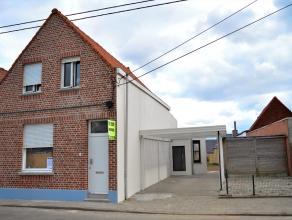 Rustig gelegen, op een boogscheut van het levendige centrum van Beveren-Leie, alle centrale invalswegen en op fietsafstand van winkels en scholen. Dez