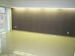 GESIMMO PARTNER vous propose un appartement 2 chambres très lumineux comprenant hall d'entrée, hall de nuit, wc séparé, cu