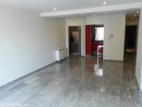 GESIMMO PARTNER vous propose un appartement 3 chambres situé en plein centre-ville de La Louvière. Cet appartement se compose d'un hall