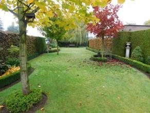 Zeer goed onderhouden laagbouwwoning, perfect instapklaar met mooi aangelegde tuin. Rustige ligging!<br /> Deze woning is voorzien van een mooie leefr