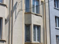Deze woning bestaat uit 2 duplexappartementen.  Elk appartement omvat een woon-kookniveau  en een niveau met slaapkamer en badkamer met ligbad.  Deze