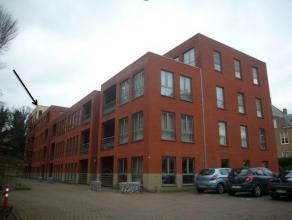 Op de vierde verdieping aan de Weg naar As 39 bevindt zich de ruimte penthouse (149m2) met 3 slaapkamers.Het dakappartement bestaat uit een inkom- en