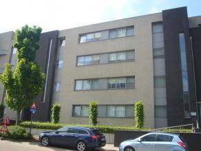Ruim appartement in residentie Evence Coppée met 2 slaapkamers, badkamer met douche en ligbad,... autostaanplaats, kelderberging en zuid-geori&