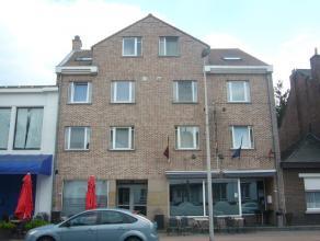 Gezellig duplexappartement (102m2) met 2 slaapkamers en terras.OmschrijvingHet duplexappartement is gelegen op tweede verdieping aan de voorzijd