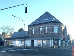 Sint Katelijne Waver : ruim hoek handelspand van 380m2 + naastgelegen perceel met 7 garageboxen Omwille zijn goede ligging en centrale ligging nabij R