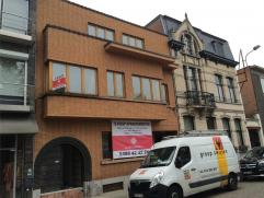 Dit appartement is gelegen op de Markt van Berlaar en beschikt over een aangename inrichting met ruim terras. Het appartement beschikt over inkom met