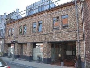 Uniek project 'De Met' in het centrum van Opwijk, bestaande uit 2 handelsruimtes, 2 appartementen en een penthouse. Dit project wordt uitgewerkt met a