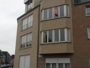 Recent appartement op de 2° verdieping. Bewoonbare oppervlakte: 103m². Indeling: hal, living, keuken, berging, terras, 2 slaapkamers, apart t