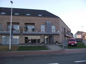 Gelijkvloers appartement met Zuidgericht terras, nabij het centrum van Opwijk. Kelder. Garage optioneel aan te kopen voor 20.000 Euro. Indeling gelijk