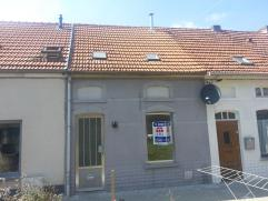 PEB: 314kWh/m² Maison 2 façades complètement rénovée prêt du centre de Liedekerke avec 1 grande chambre. Double