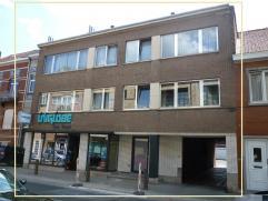TOPLIGGING IN HET CENTRUM VAN GROOT-BIJGAARDEN : Opbrengstgebouw met commercieel gelijkvloers van 53 m² (+ 80 m² woonst), 4 appartementen (2