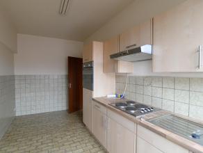 Appartement sur la 2ième étage dans un petit immeuble, avec 2 chambres spacieuses (14,81m² et 13,44m²) et une petite chambre/b