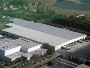 Logistieke opslag, magazijn & bedrijfsruimte te huur in Londerzeel langs de A12 Boomsesteenweg tussen Brussel en Antwerpen Dit 18.327m² indus