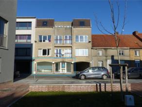 Dit ruim en lichtrijk appartement is gelegen in het centrum van Gistel. In dit eigentijds gebouw biedt dit appartement u een aangename thuis. De leefr