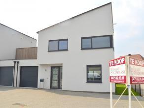 Nieuwbouw woning. Deze instapklare en energiezuinige woning is gelegen in Lanklaar op 5 min.rijden naar de oprit van de autostrade E314 (Brussel-Aken)