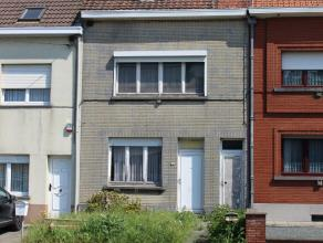Deze woning is volledig te renoveren en bijgevolg in te richten naar eigen wensen. Indeling gelijkvloers: leefruimte, keuken, toilet,tuin en bijgebouw