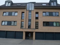 Appartement spacieux de 110m² avec 2 chambres à coucher ( 14- 9m²) à louer dans un quartier calme à proximité du