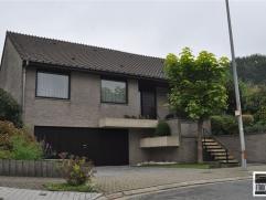 Prachtige villa te koop gelegen in een residentiële villawijk op een terrein van 6are85 op wandelafstand van het centrum van Asse. Deze villa met