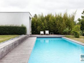 MOLLEM: Prachtige design villa met hedendaagse architectuur gelegen in een groene en landelijke omgeving. De woning, met bewoonbare oppervlakte van 70