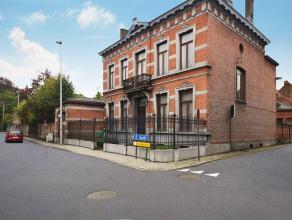 Voormalig brouwershuis Dubois met ommuurde tuin gelegen in het centrum van Oudegem (Dendermonde). Het gebouw is beschermd als dorpsgezicht en bestaat