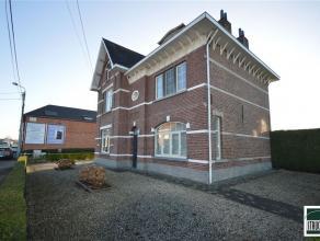 Prachtig ingerichte en instapklare burgerwoning te koop in Opwijk in de nabijheid van het centrum. Deze woning werd in 2003 volledig gerenoveerd ( bad