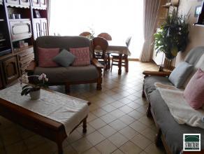 Appartement agréable de 83m² au 3ème étage. Composition: hall d'entrée avec vestiaire, salon et salle à manger