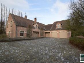 UNIEKE villa TE HUUR in een zeer rustige straat te TERNAT met een bewoonbare oppervlakte van +/- 371 m². Het gelijkvloers van deze prachtige vill
