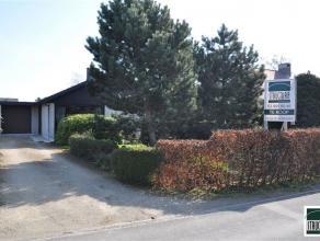 Villa op toplocatie gelegen in nabijheid van centrum Mazenzele - Opwijk op een terrein van 14 are 90ca. De woning, met bouwjaar 1969, bestaat op de ge