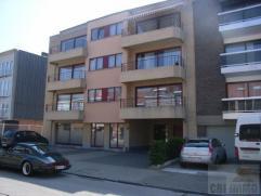 Lumineux appartement situé au 2ème étage d'une petite résidence au centre-ville de Strombeek. Cet appartement se compose d