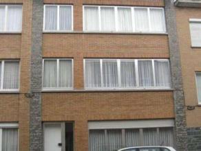 Cet appartement est trs bien situ  Strombeek-Bever. L'appartement a un hall d'entre, armoire vestiaire, toilette, salle de bains, living, 2 chambres