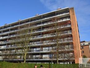 Cet appartement avec deux chambres à Strombeek-Bever est situé au 7ième étage. On peut profiter d'une vue magnifique sur L